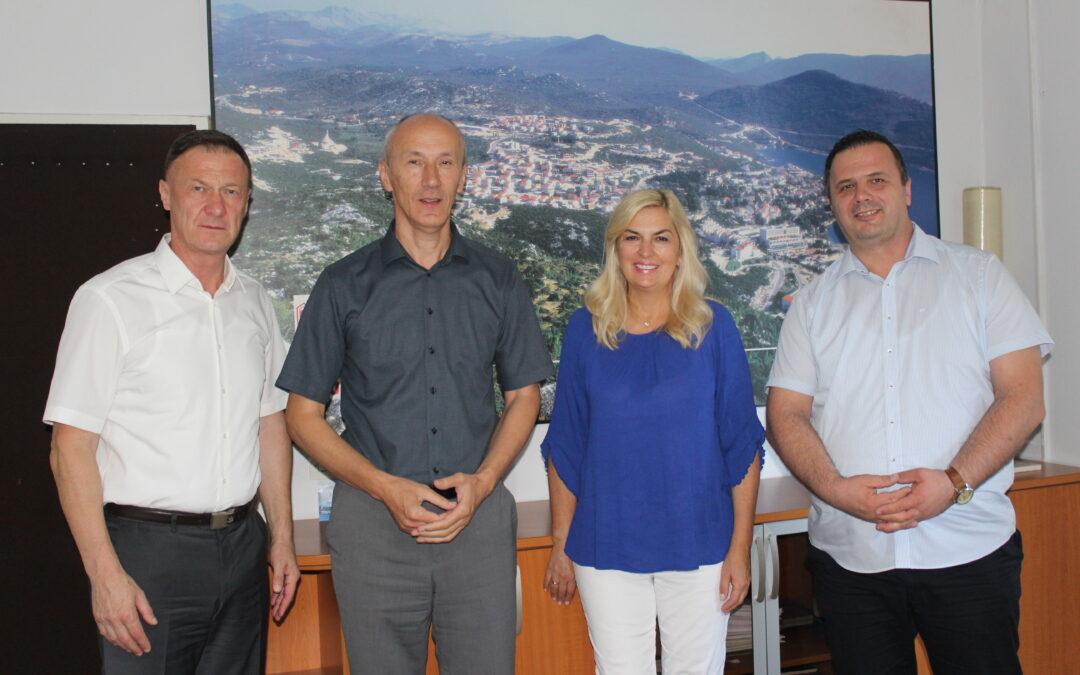 """U Općini Neum potpisan Ugovor o sufinanciranju izvođenja radova  """"Vodovodni sustav Gabela- Svitava- Neum"""""""